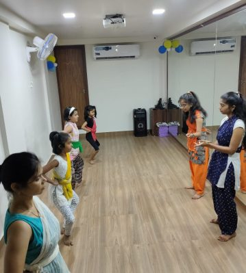 indian classical dance,bharatnatyam steps for kids ,bharatnatyam poses ,bharatnatyam mudras,images of bharatnatyam dance ,bharatnatyam classes in mumbai,bharatnatyam dancers,bharatnatyam classes near me,indian classical dance bharatanatyam,indian classical dance forms,
